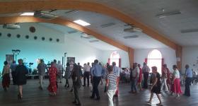 Thés dansants - Personnes dans la salle de réception